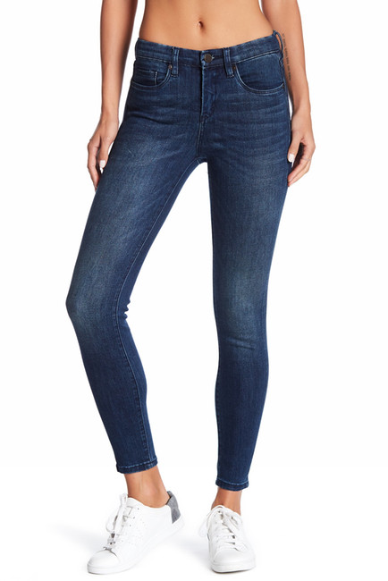 https://www.nordstromrack.com/shop/product/2141565/blanknyc-denim-side-note-skinny-jeans?color=SIDE%20NOTE